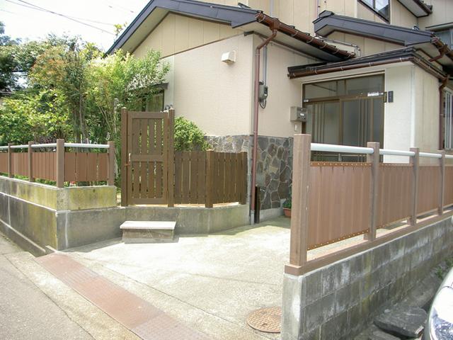 再生木材で作った外柵で美観をアップ