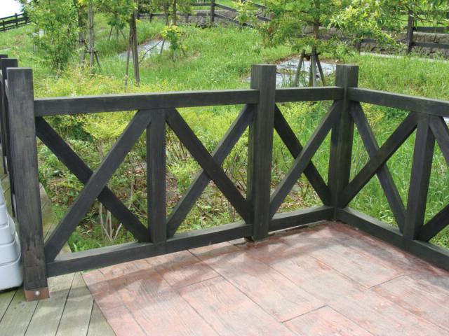 再生木材で作った腐食にも強い外柵